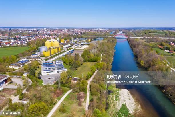 augsburg sewage treatment plant, lech an der wertach estuary, motorway bridge, drone shot, augsburg-oberhausen, augsburg, swabia, bavaria, germany - augsburg zwaben stockfoto's en -beelden