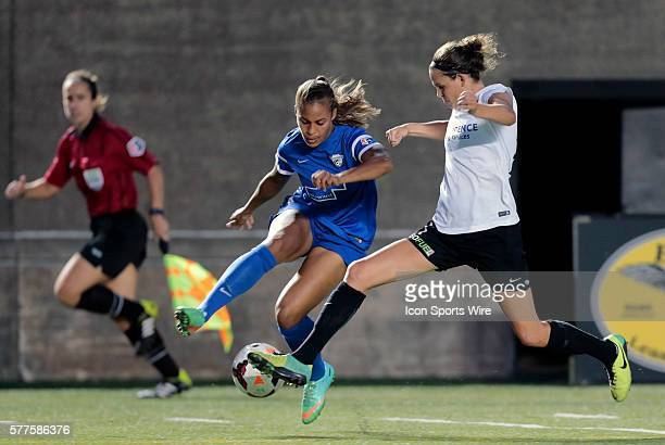 Boston Breakers' Jazmine Reeves tries to get past Portland Thorns FC's Emily Menges The Boston Breakers defeated the Portland Thorns FC 20 in a NWSL...