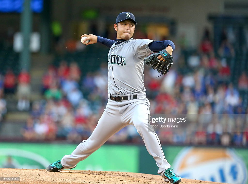 MLB: AUG 18 Mariners at Rangers : ニュース写真