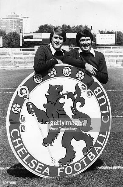 Chelsea FC manager Geoff Hurst and assistant manager Bobby Gould showing off the club's newlypainted badge