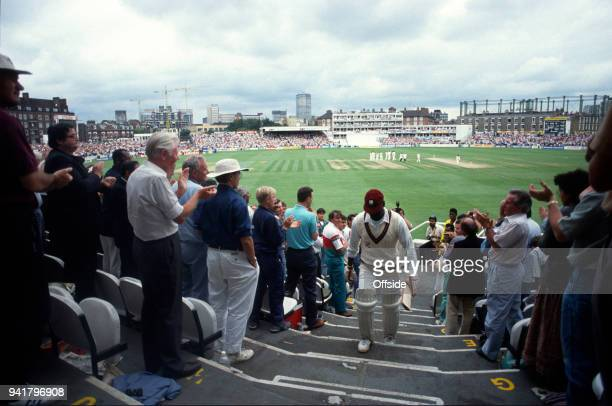 August 1991 Kennington Oval, Cricket Test Match - England v West Indies - Viv Richards returns to the pavilion after his final test match innings