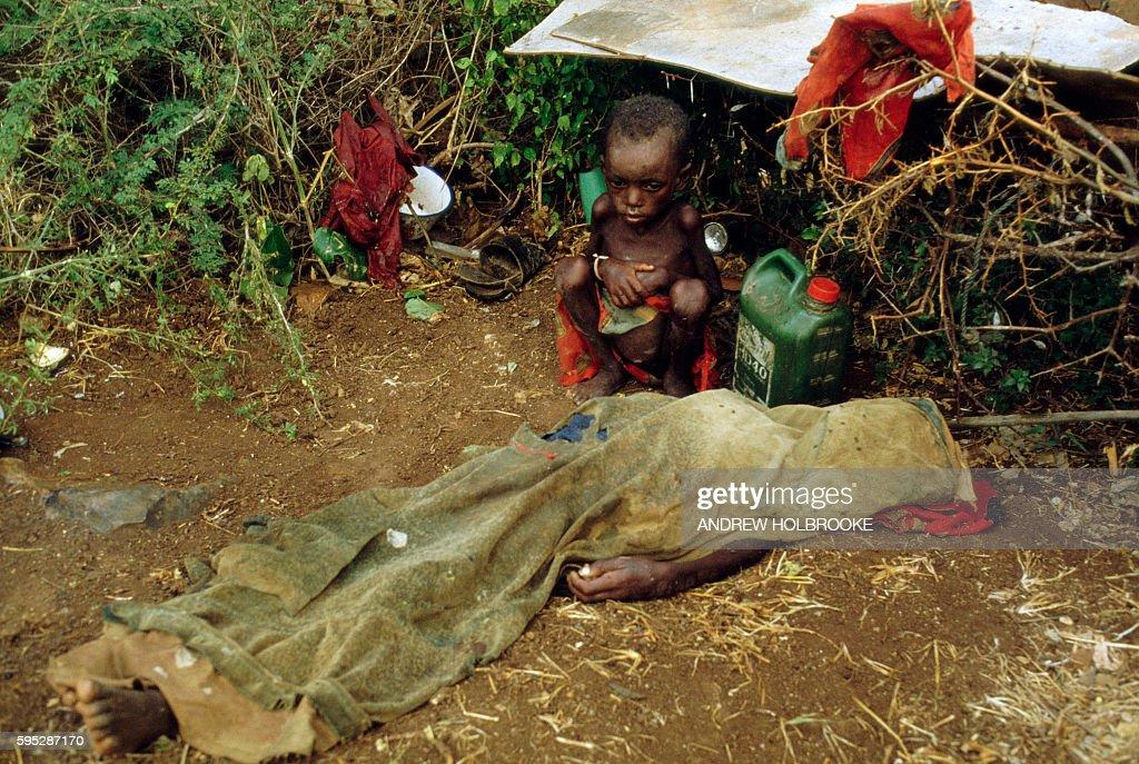 august-1992-baidoa-somalia-a-starving-ch