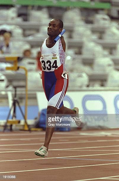 Peter Cordice of Great Britain in action during a relay event at the 1992 Paralympic Games in Barcelona Spain Mandatory Credit Gray Mortimore/Allsport