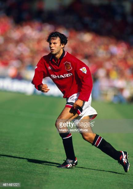 14 August 1994 FA Charity Shield Blackburn Rovers v Manchester United Ryan Giggs of United
