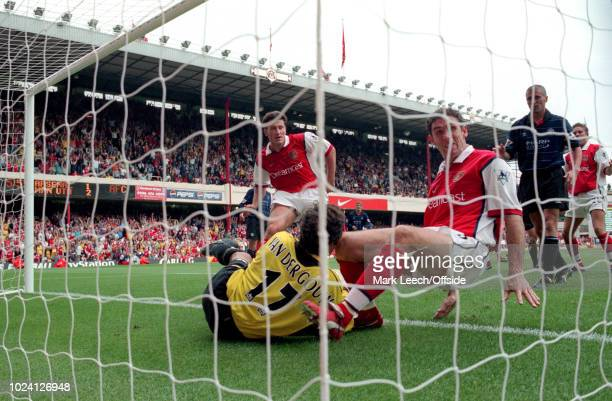 22 August 1999 Premiership Football Arsenal v Manchester United Martin Keown of Arsenal watched by Roy Keane of Manchester United and Davor Suker of...