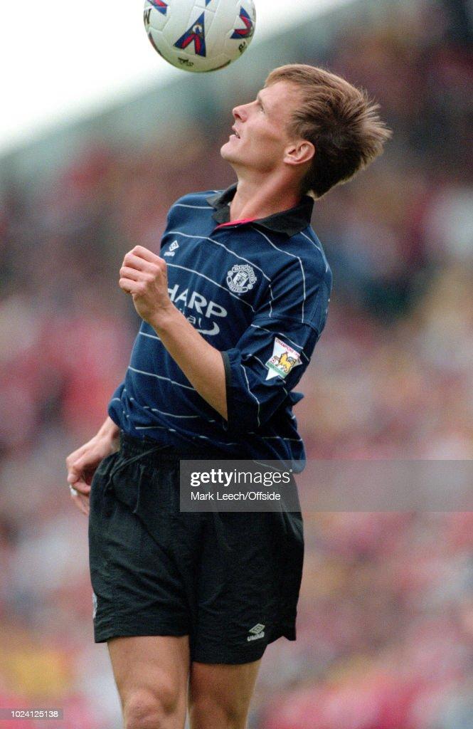 22 August 1999 - Premiership Football - Arsenal v Manchester United - Teddy Sheringham of Manchester United -