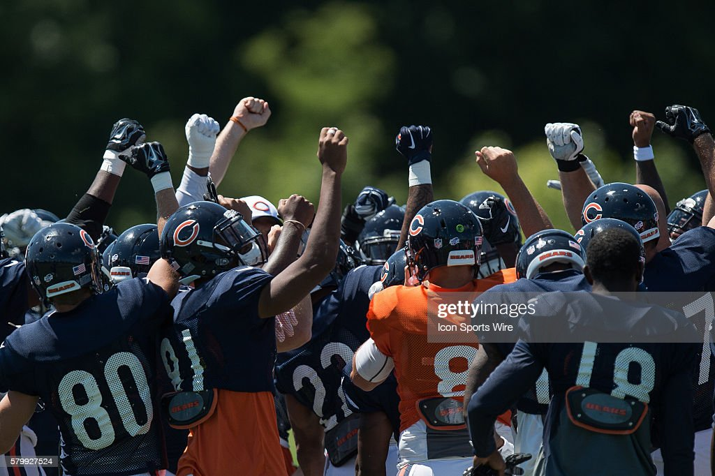 Chicago Bears huddle during the Indianapolis Colts and