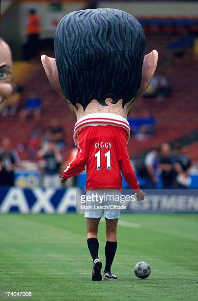 13 August 2000 FA Charity Shield Chelsea v Manchester United Prematch entertainment at Wembley with a giant caricature of Ryan Giggs