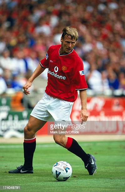 13 August 2000 FA Charity Shield Chelsea v Manchester United Teddy Sheringham of United