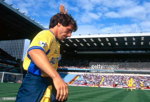 27 August 2000 Premiership Aston Villa v Chelsea Gianfranco Zola of Chelsea waves to the Chelsea fans