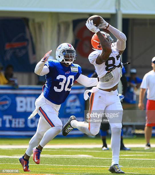 Buffalo Bills safety Bacarri Rambo in action against Cleveland Browns wide receiver Terrelle Pryor during a joint practice between the Cleveland...