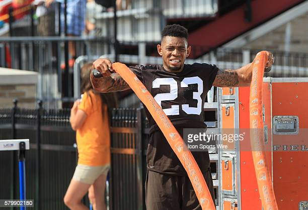 Cleveland Browns defensive back Joe Haden works out during a joint practice between the Cleveland Browns and the Buffalo Bills at the Buffalo Bills...
