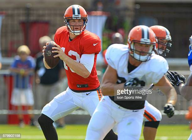 Cleveland Browns quarterback Josh McCown in action during a joint practice between the Cleveland Browns and the Buffalo Bills at the Buffalo Bills...