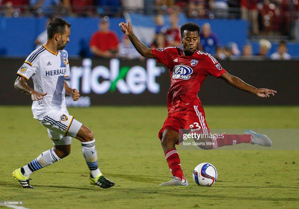SOCCER: AUG 15 MLS - Galaxy at FC Dallas : News Photo