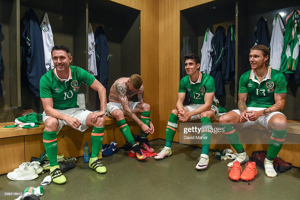 31 August 2016; Robbie Keane, left, of Republic of Ireland, along with team-mates James McClean, Callum O'Dowda and Jeff Hendrick, in the dressing room following the Three International Friendly game between the Republic of Ireland and Oman at the Aviva Stadium in Lansdowne Road, Dublin. (Photo By David Maher/Sportsfile