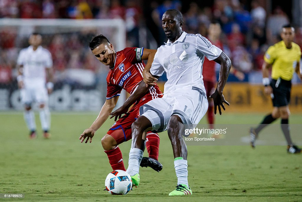 SOCCER: AUG 13 MLS - Sporting KC at FC Dallas : News Photo
