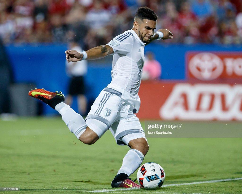 SOCCER: AUG 13 MLS - Sporting KC at FC Dallas : News Photo