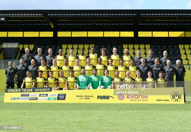 Soccer Bundesliga Photo session Borussia Dortmund for the 2018/19 season on the training ground The official team photo Top Frank Graefen Olaf Wehmer...