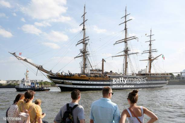 The Italian sailing training ship 'Amerigo Vespucci' enters the port The legendary sailing training ship arrived with 326 soldiers and 100 cadets...