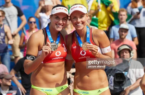 Volleyball/Beach World Tour Women Babora Hermannova and Marketa Slukova with their silver medals Photo Georg Wendt/dpa
