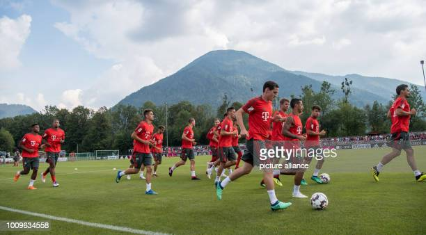 August 2018, Germany, Rottach-Egern: The players of FC Bayern Munich run on the training ground. The club is at Tegernsee Lake for a one-week...