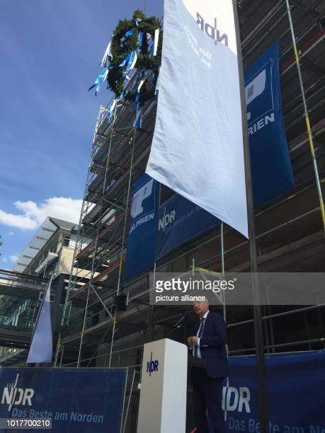 NDR director Lutz Marmor speaks for ARDaktuell during the toppingout ceremony In future the joint newsroom for the TV news programmes 'Tagesschau'...