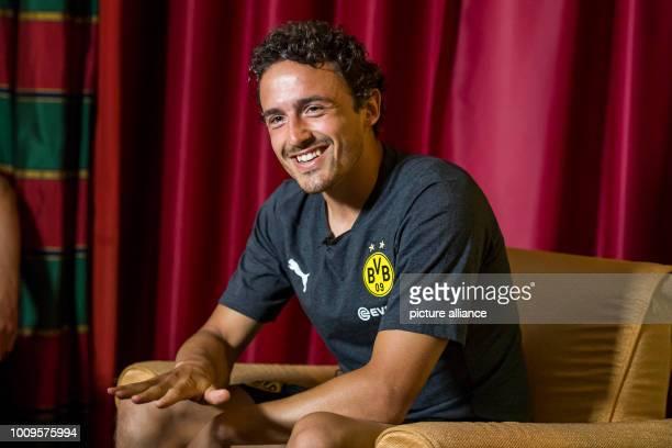 August 2018, Switzerland, Bad Ragaz: Soccer, training camp Borussia Dortmund: Dortmund's player Thomas Delaney speaks during an interview. Photo:...
