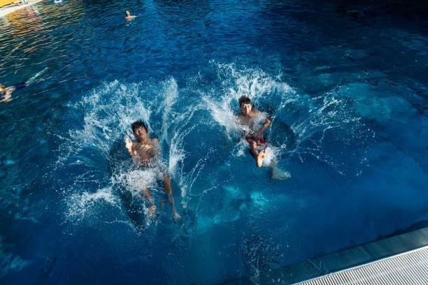DEU: Summer Weather - Bathing Fun
