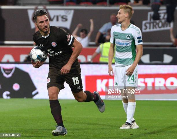 Soccer 2nd Bundesliga 2nd matchday FC St Pauli SpVgg Greuther Fürth in the Millerntor Stadium Hamburg's Dimitrios Diamantako is running across the...