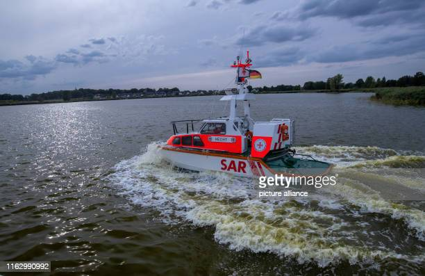 """August 2019, Mecklenburg-Western Pomerania, Zinnowitz: The seven-meter lake rescue boat """"Hecht"""" from the volunteer station of the German Shipwreck..."""