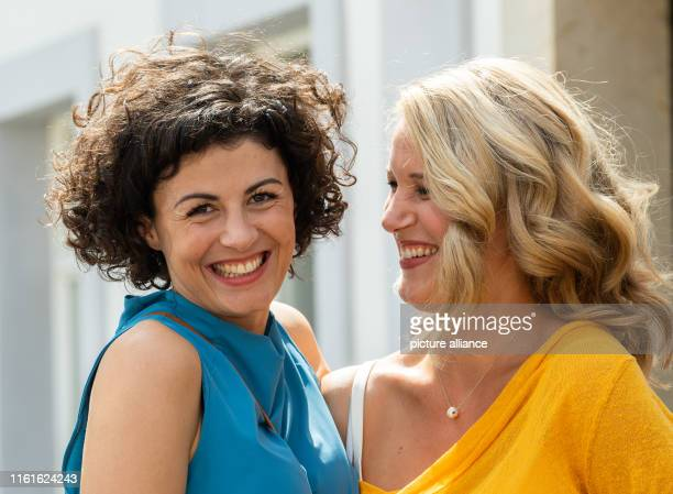 August 2019, Saxony, Stadt Wehlen: The actresses Liza Tzschirner and Eva-Maria Grein von Friedl are on the edge of shooting the ARD television film...