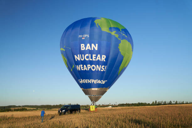 DEU: Greenpeace Protests Against Nuclear Weapons