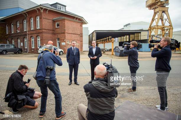 August 2021, Schleswig-Holstein, Rendsburg: Lars Windhorst , entrepreneur and chairman of Tennor Holding, and Philipp Maracke, managing director of...