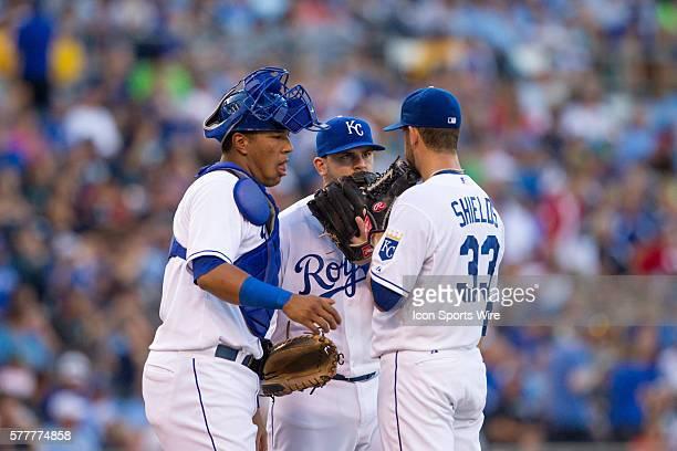 Kansas City Royals catcher Salvador Perez Kansas City Royals third baseman Mike Moustakas and Kansas City Royals starting pitcher James Shields talk...