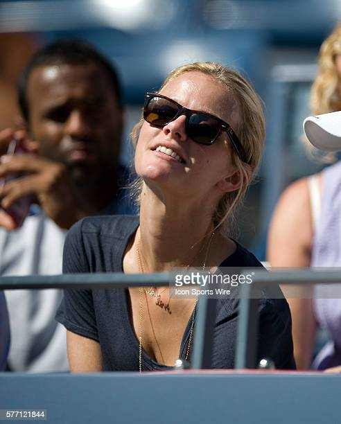 US Open Day 1 Day Session Flushing NY Supermodel Brooklyn Decker wife of tennis superstar Andy Roddick cheers him on during his match today