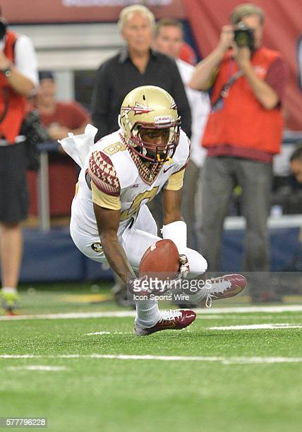 Florida State Seminoles wide receiver Kermit Whitfield catches the ball during the Cowboys Classic Florida State at Oklahoma State at ATT Stadium in...