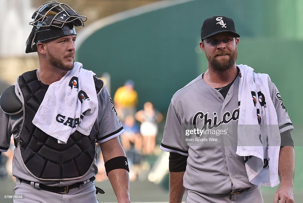 Chicago White Sox catcher Tyler Flowers and Chicago White Sox ...