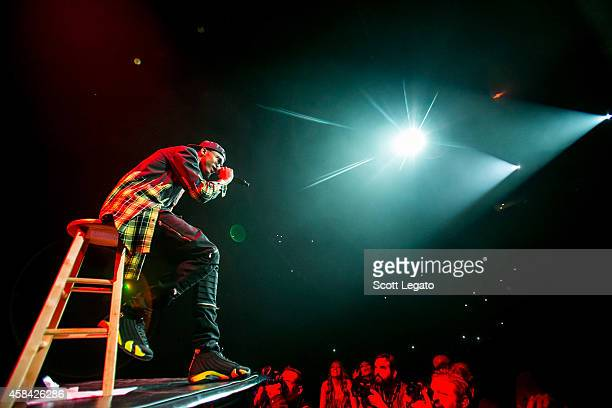 August Alsina performs at The Palace of Auburn Hills on November 4 2014 in Auburn Hills Michigan