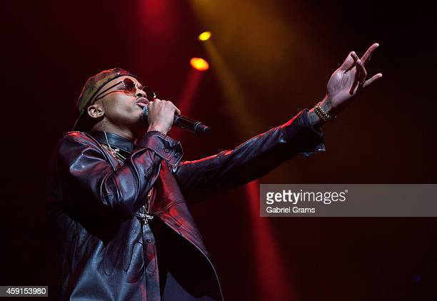 August Alsina performs at United Center on November 17 2014 in Chicago Illinois
