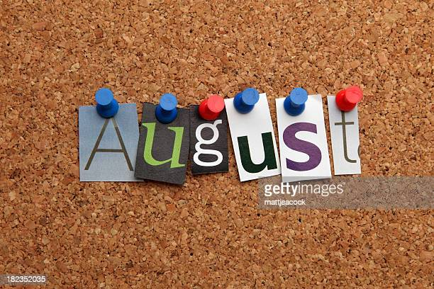 Agosto pinned en noticeboard