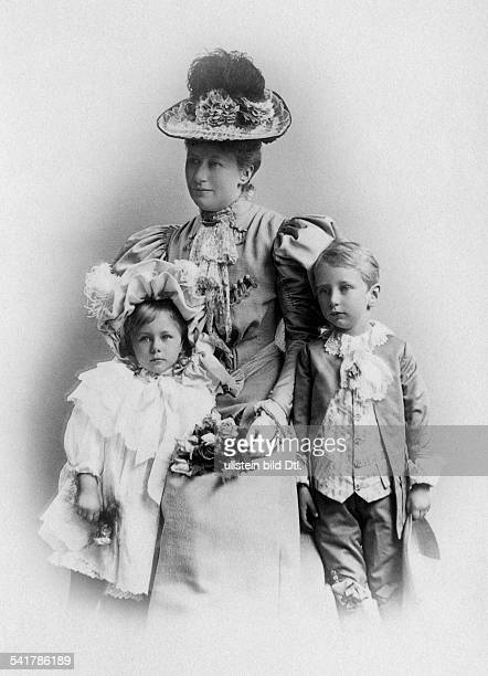 Auguste Viktoria German Empress Queen of Prussia*22101858 together with her children Prince Joachim Franz and Princess Viktoria Luise Photographer...