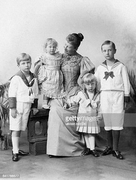 Auguste Viktoria German Empress Queen of Prussia*22101858 together with her children Princess Viktoria Luise Prince August Wilhelm and Prince Joachim...