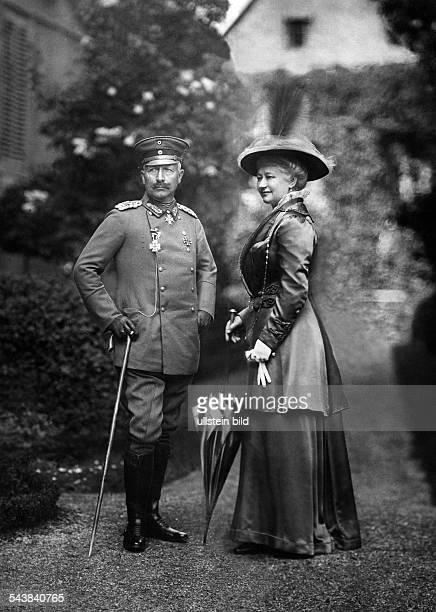 Auguste Viktoria - German Empress, Queen of Prussia*22.10.1858-+- with husband Emperor Wilhelm II in the palace garden, Bad Homburg - 1917-...