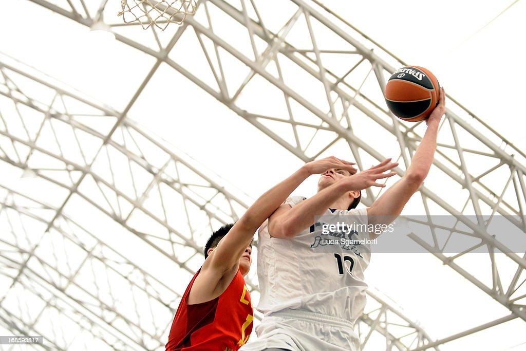 mejor selección de atractivo y duradero excepcional gama de colores Augusti Sans, #10 of Club Joventut Badalona in action during the Nike...  News Photo - Getty Images