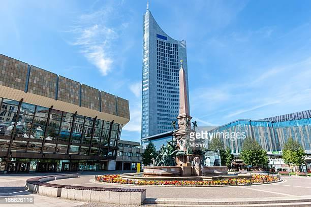 augustusplatz leipzig gewandhaus,mendebrunnen,university tower - leipzig saksen stockfoto's en -beelden