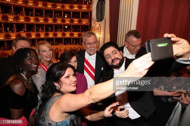 Auma Obama Anna Netrebko Alexander Van der Bellen Federal President of Austria and his wife Doris Schmidauer Yusif Eyvazov takes a selfie during the...