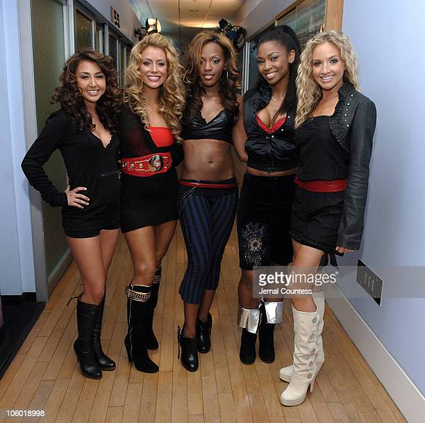 Aundrea Fimbres Aubrey O'Day Dawn Richard Wanita D Woods Woodgette and Shannon Bex of Danity Kane on TRL