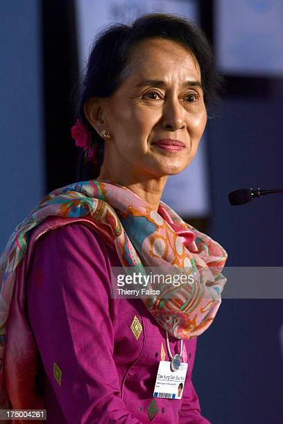 Aung San Suu Kyi Myanmar opposition leader and Nobel Peace Prize laureate answers questions during a press conference at the World Economic Forum on...