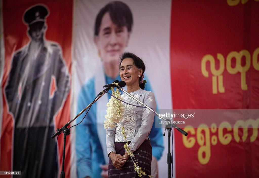 Aung Sun Suu Kyi Makes Speech Ahead Of Myanmar Elections : News Photo