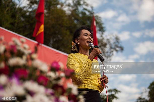 Aung Sun Suu Kyi leader of Myanmar's National League for Democracy Party campaigns in her constituency on October 24 2015 in Kawhmu Myanmar Suu Kyi...